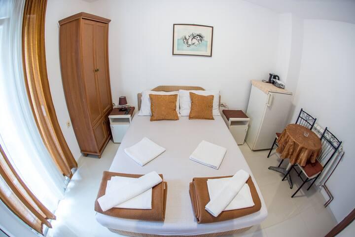 Private double room in Budva center #7